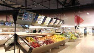 Consumi, nasce il supermercato Coop hi-tec dove si sfruttano schermi interattivi