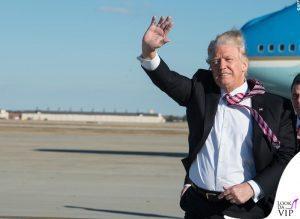 promozione speciale vari colori prezzo interessante Trump, cravatte lunghe ma… con lo scotch - News ...