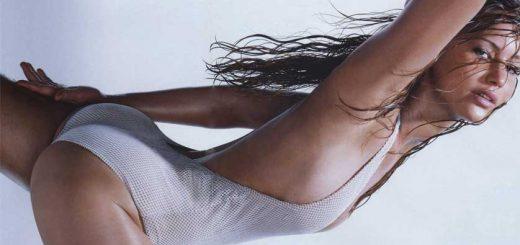 Jennifer-Lawrence-Swimsuit