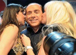 Baci-e-belle-donne-allo-Stand-up-party-di-Berlusconi-tenutosi-a-Milano-al-Circolo-del-Buon-Governo1