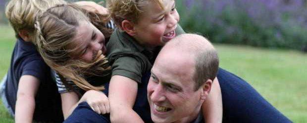5301110_1556_principe_william_con_tre_figli_per_festa_papa_giugno_2020 (1)