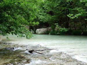 1200px-Acheron_river_3