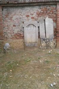 Antiche tombe
