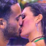 Elisabetta-Gregoraci-bacio-con-Pierpaolo-Petrelli-ma-solo-per-gioco