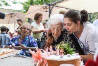 Genova. casa di riposo Oper Pia. la festa di compeanno delle ultracentenarie, Maria Teresa e Ottilia, rispettivamnete 111 e 104 anni.