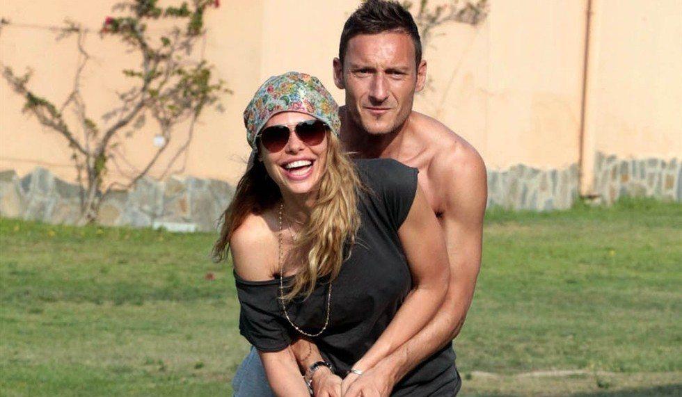 Francesco-Totti-Ilary-Blasi-SPY-28-2013_980x571