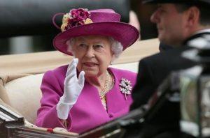reginaelisabetta cerca dipendenti stipendi 19223501 300x198 - Offerte di lavoro alla corte d'Inghilterra