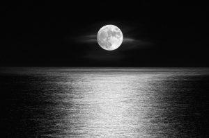 moon-3232487_960_720