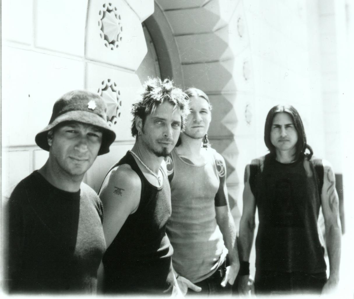 AUDIOSLAVE%20press