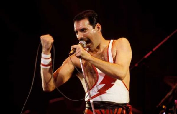 photo-of-freddie-mercury-and-queen-600x388