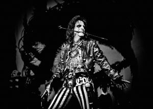 alice-cooper-riding-whip-indianapolis