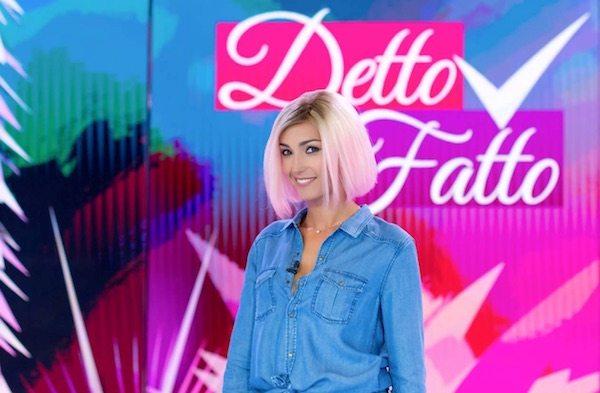 Caterina-Balivo-capelli-rosa