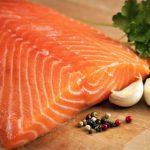 Salmone: pesce ricco di acidi grassi omega-3 potenti alleati della salute