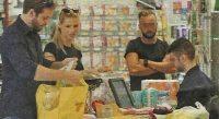 1995092_michelle_hunziker_tomaso_trussardi_spesa_supermercato