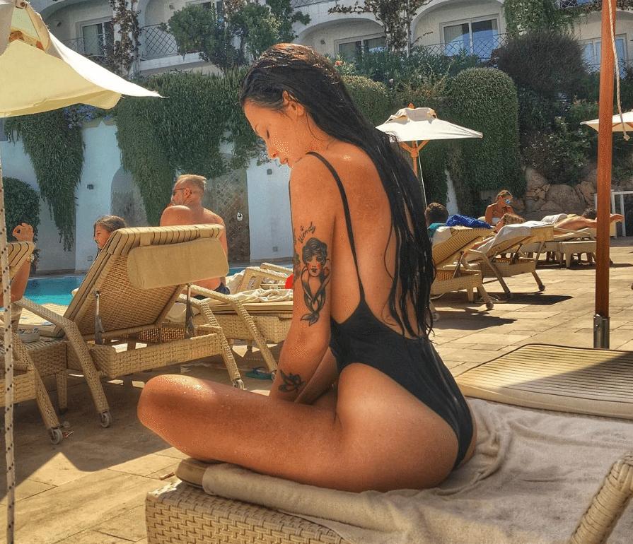 asia-nuccetelli-piscina