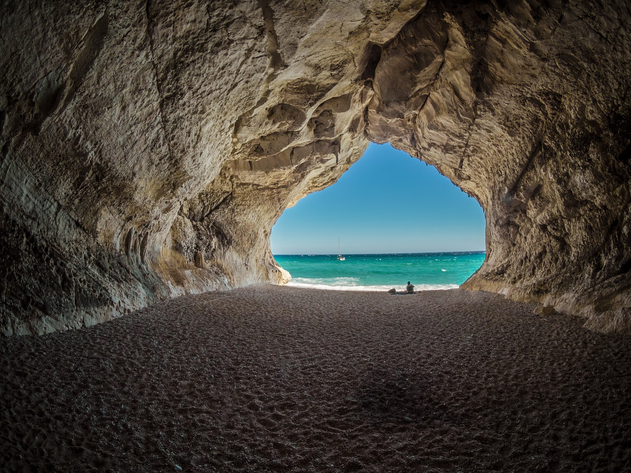 CALA-GONONE-BEACH