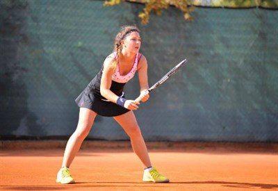Pallina contro il raccattapalle, giovane tennista italiana squalificata