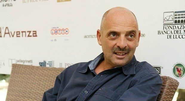 Paolo Brosio tra alcol, se. sso e dr0ga: