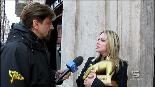 Striscia la Notizia, Tapiro d?Oro alla giornalista Paola Ferrari