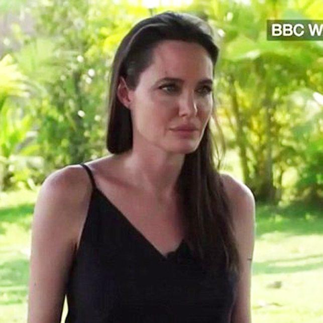 Angeline Jolie in lacrime.