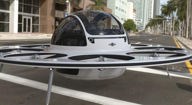 L'Ifo, il drone che fa volare le persone: ha due posti e va a 200 all'ora