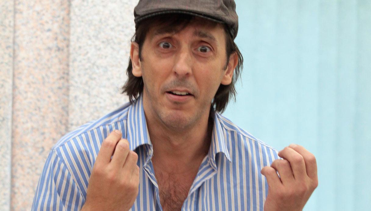 """Isola, entra Ceccherini bufera in studio. Raz contro Moreno """"Sei un vigliacco piccolo"""""""