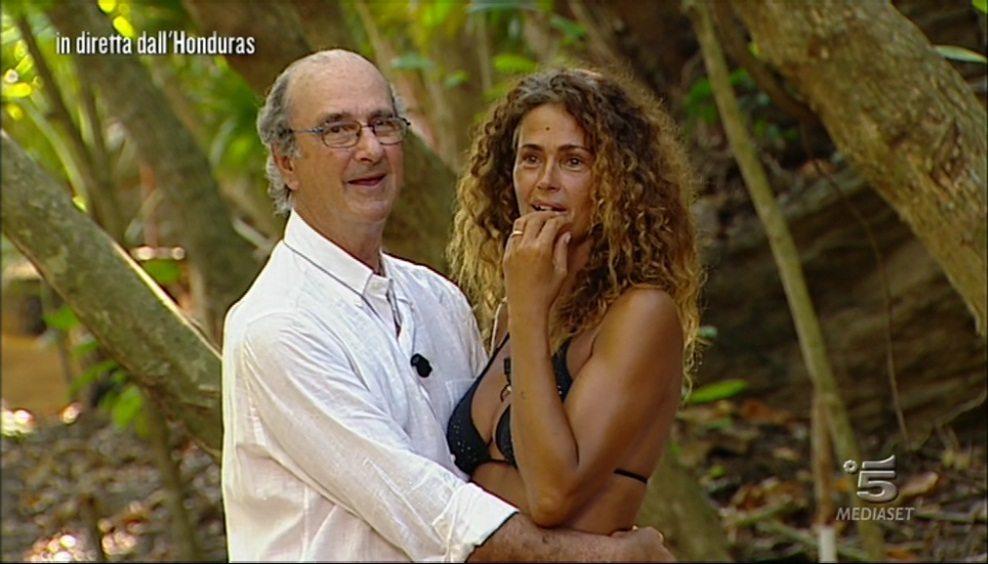 Isola, Samantha eliminata e in lacrime. Per lei arriva a sorpresa il papà