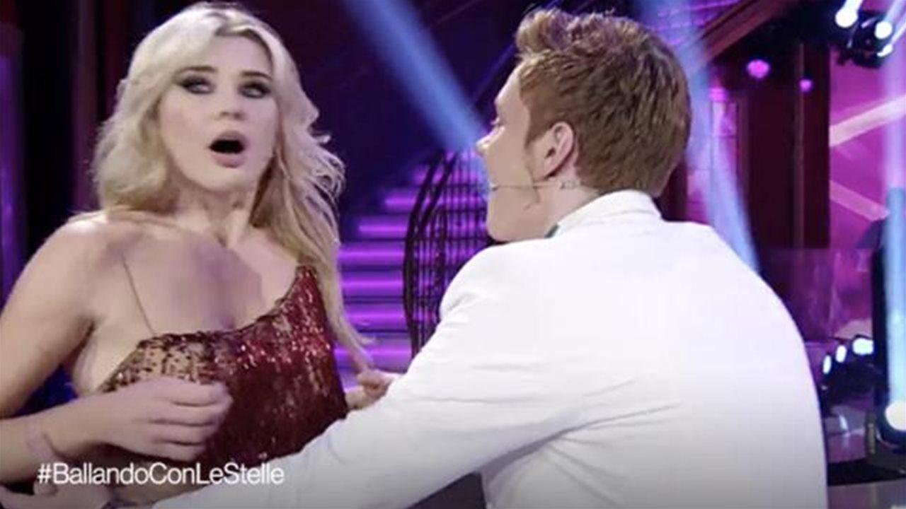Colpo di scena a Ballando con le stelle, Xenia rischia di svenire appena vede il fratello