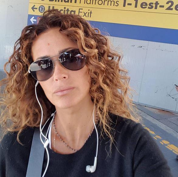 """Samantha de Grenet, messaggio piccato per una ex amica """"molto romana"""""""