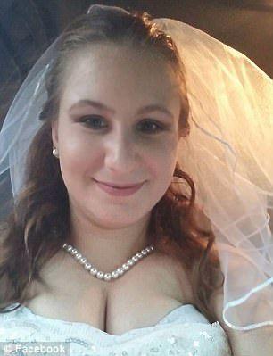 Sposata da 2 settimane viene sorpresa a fare sesso a 3 con due colleghi, in manette 19enne