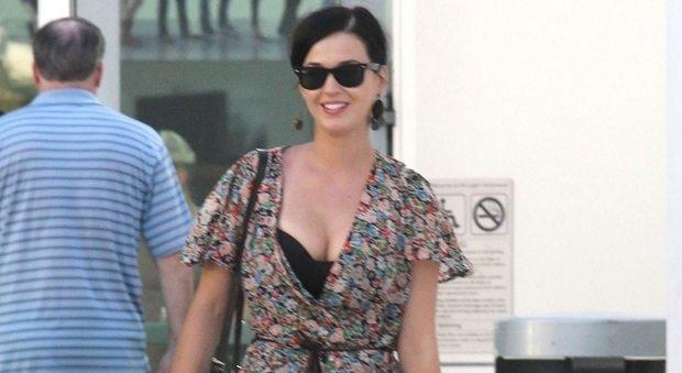Capri fa il pieno di vip: dopo Bob Sinclar sbarca in piazzetta Katy Perry