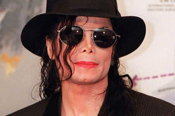 Michael Jackson, il suo fondo deve 9,4 milioni di dollari a Quincy Jones