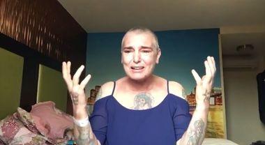"""Sinead O'Connor, video choc su Fb. """"Viva grazie al mio psichiatra, sono sola e tutti mi trattano male"""""""