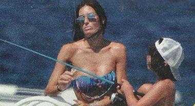 Elisabetta Gregoraci fra crisi e smentite, pomeriggio in barca con Nathan Falco