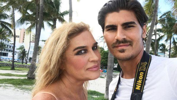 """Lory Del Santo chiusa nella sua casa a Miami: """"Ho paura di morire"""""""