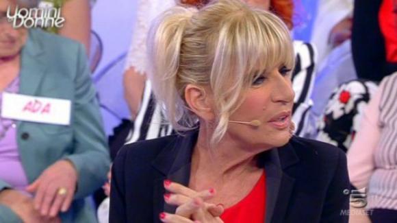 Gemma Galgani bacia un giovane a Uomini e Donne. Scoppia la gelosia di Giorgio Manetti?