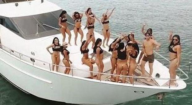 Isola privata offre droga e sesso con prostitute ai turisti: ecco le immagini dello spot