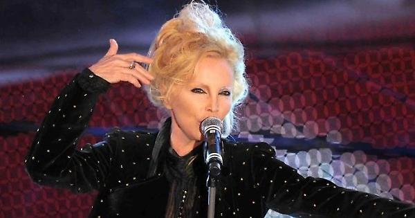 """Patty Pravo: """"Sono stata in carcere. Mi facevo le canne con Jimi Hendrix"""""""