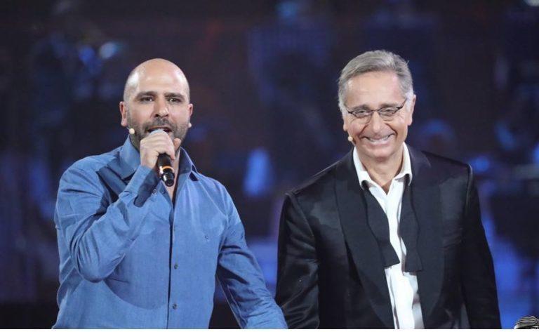 """Zalone a Music fa una battuta sui """"froci"""". E la comunità gay si infuria"""