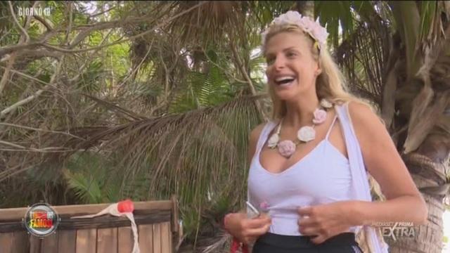 Isola dei Famosi: attimi di felicità per Francesca e Alessia