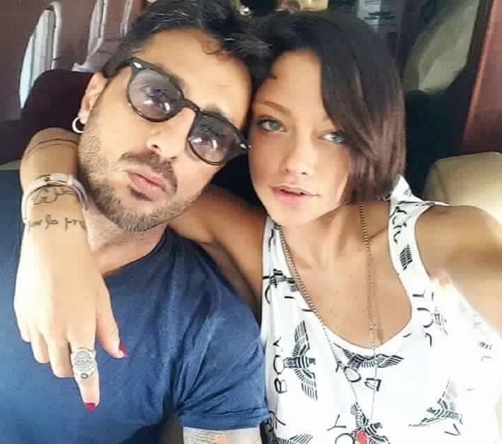 Fabrizio Corona in giro per Milano senza Silvia Provvedi. La coppia è al capolinea?
