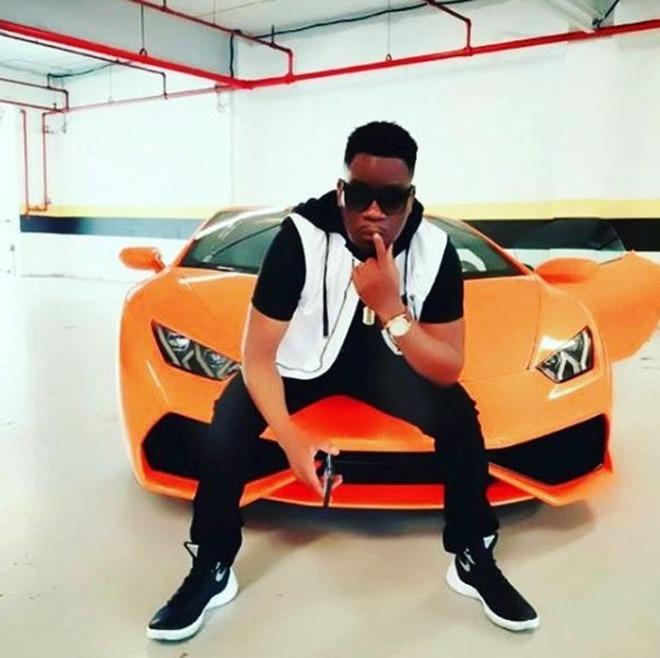 Anche in Africa ci sono ragazzini ricchi: tra lusso e champagne, le foto su Instagram