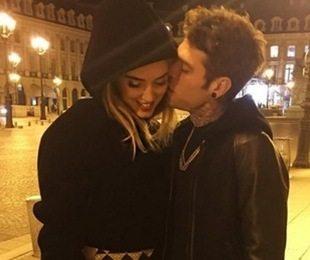 Fedez, compleanno 'in love': spegne 27 candeline insieme alla sua Chiara