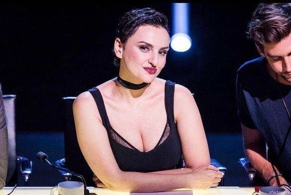 X Factor, Arisa choc su Facebook: