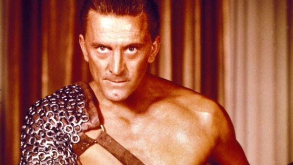Kirk Douglas, compie 100 anni lo Spartacus di Hollywood che ha rotto le catene del tempo