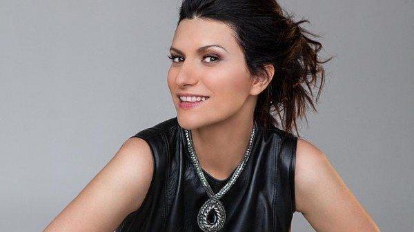 Laura Pausini, a sorpresa su Facebook nuovo singolo e video