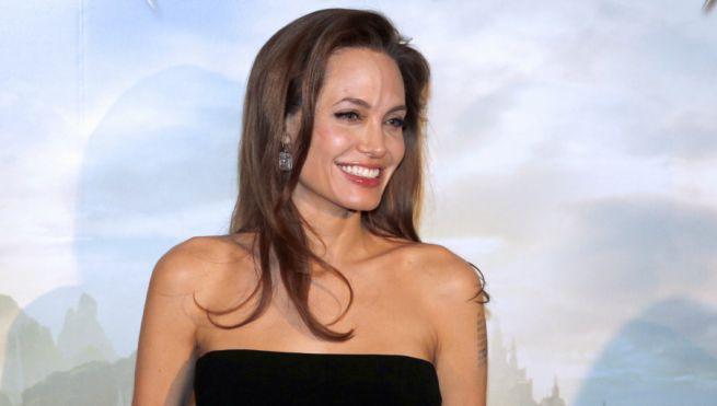 Angelina Jolie, la madre biologica lancia l?appello: