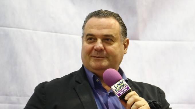 Morto il comico toscano Niki Giustini, esordì con Carlo Conti. Il ricordo commosso di Pieraccioni e Magalli