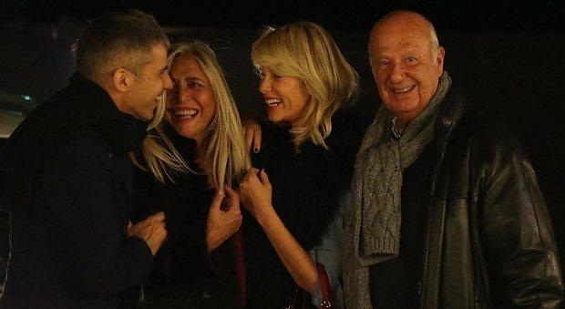 """Alessia Marcuzzi """"pace"""" con Mara Venier: a cena fuori accompagnate dai mariti"""