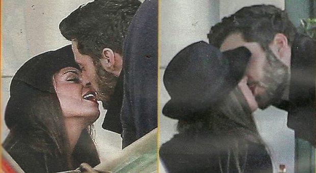 Francesca De Andrè dimentica Interrante: baci al cavaliere misterioso